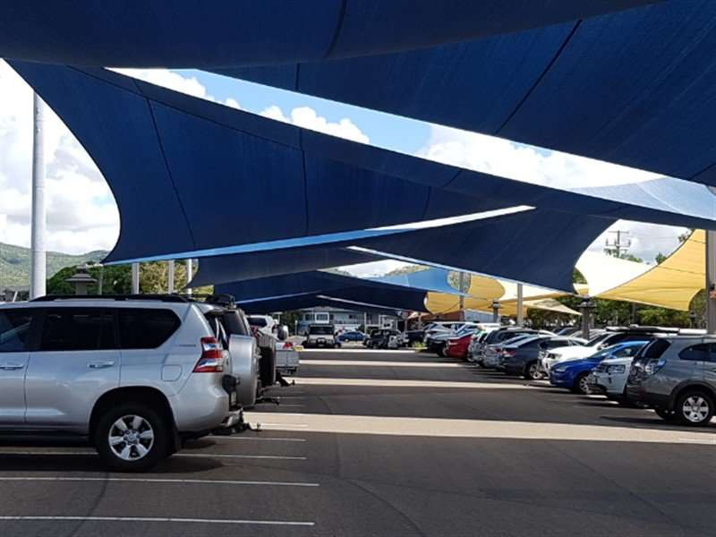 Large-Navy-Blue-Commercial-Extreme-32-shade-sails